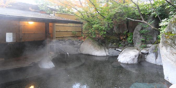 日の春旅館 露天風呂2