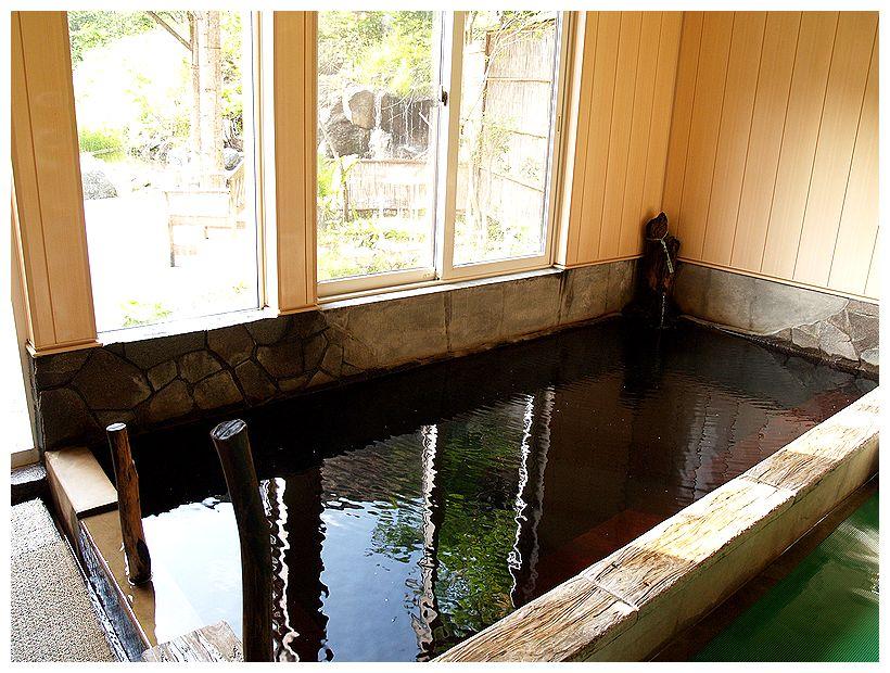 金の沢天然温泉開拓ふくろふ乃湯の内風呂の写真