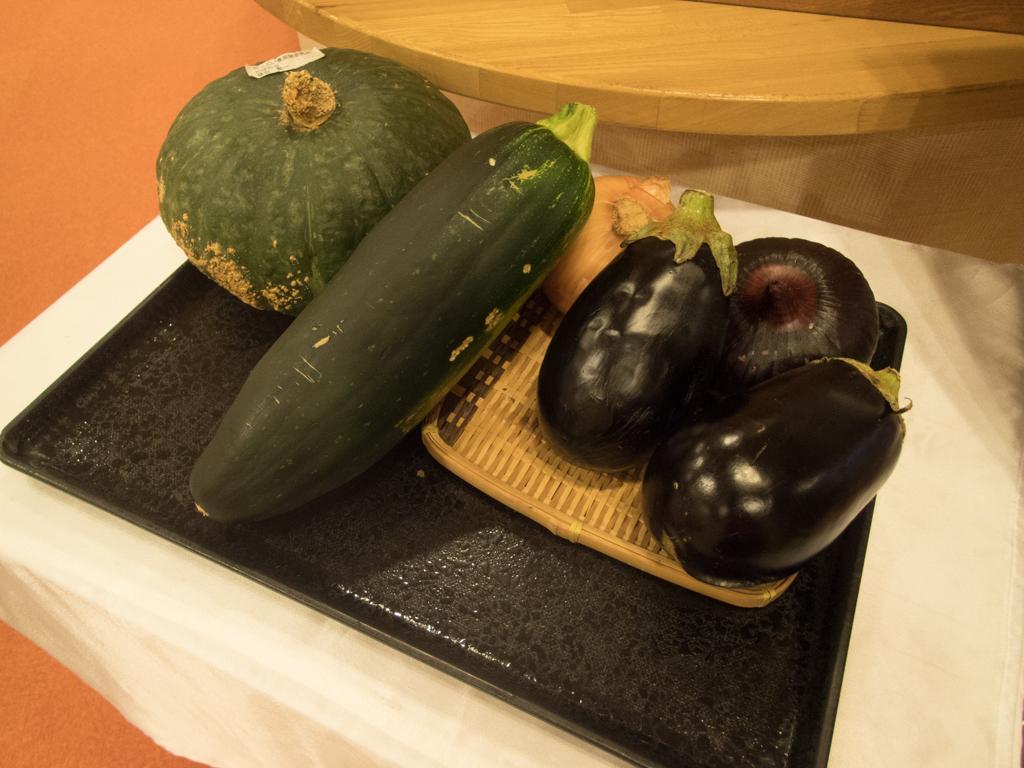 地元で作られた野菜が買える