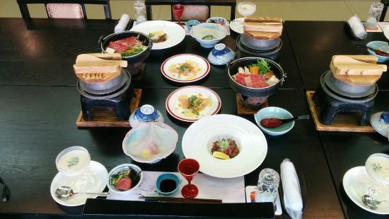 夕映えの宿 汐美荘 源泉蒸し料理