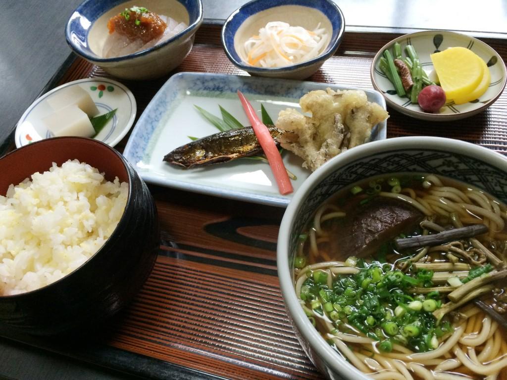 静岡 梅ケ島新田温泉 黄金の湯 定食の写真