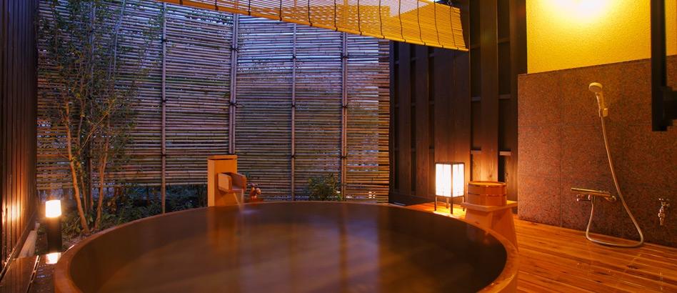 静岡 湯宿一番地 露天風呂の写真