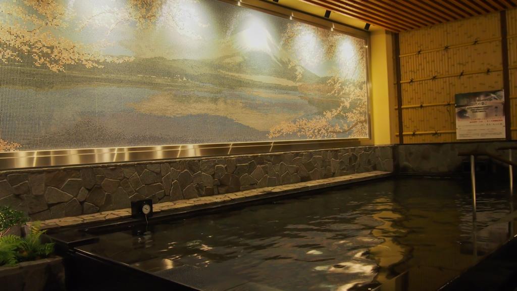 圧巻の富士山タイル絵
