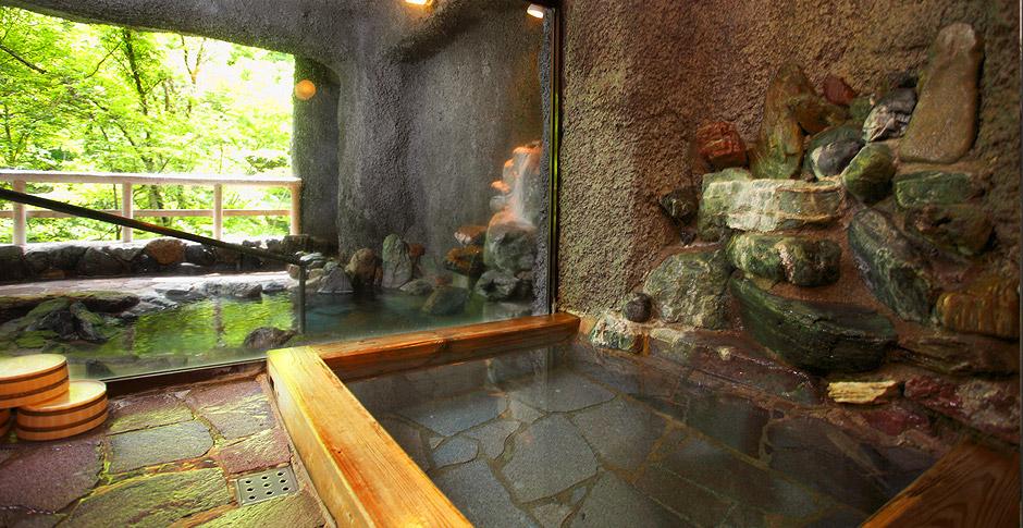 彩り湯かしき花と華 貸切滝見風呂