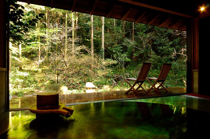 静岡 玉樟園新井 露天風呂の写真