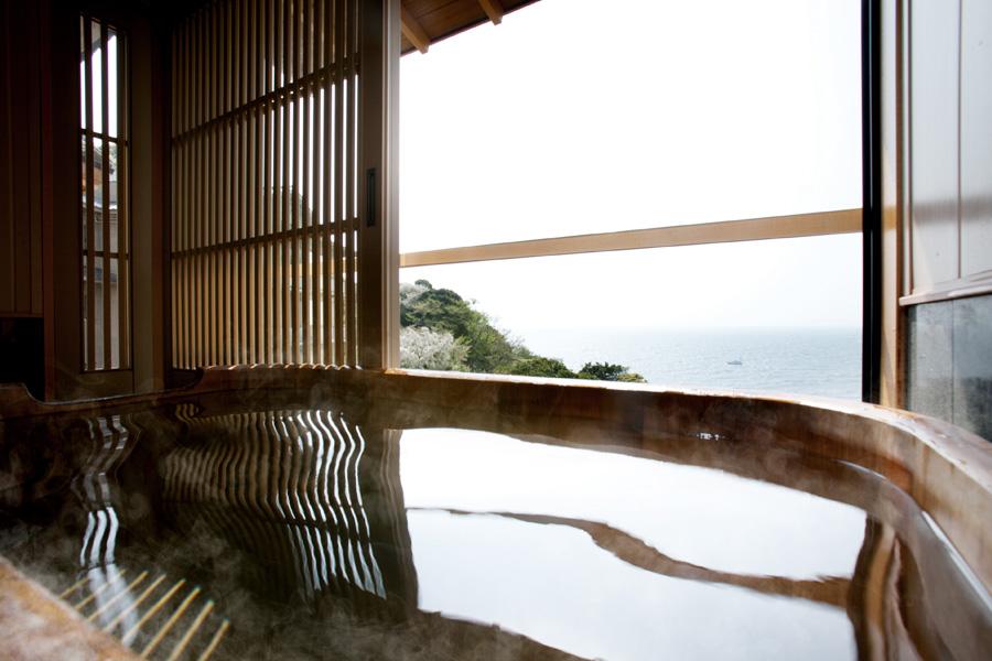 静岡 西伊豆今宵 客室露天風呂の写真