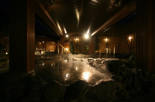 ベルさくらの湯 露店岩風呂