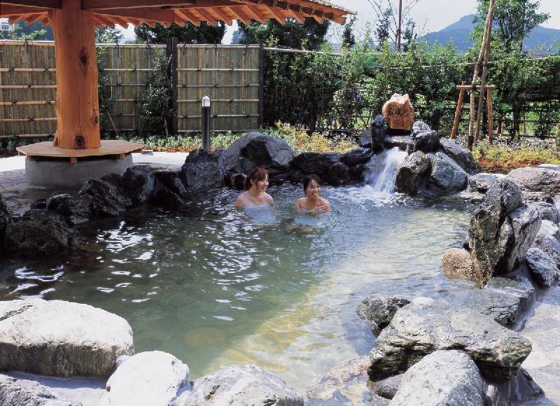 ほたるの里 梵天の湯 露天風呂