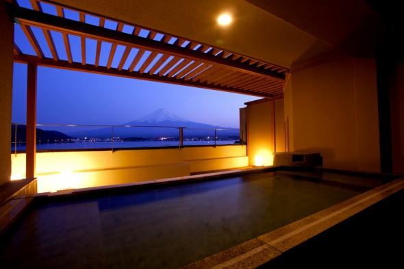 秀峰閣湖月 客室露天風呂