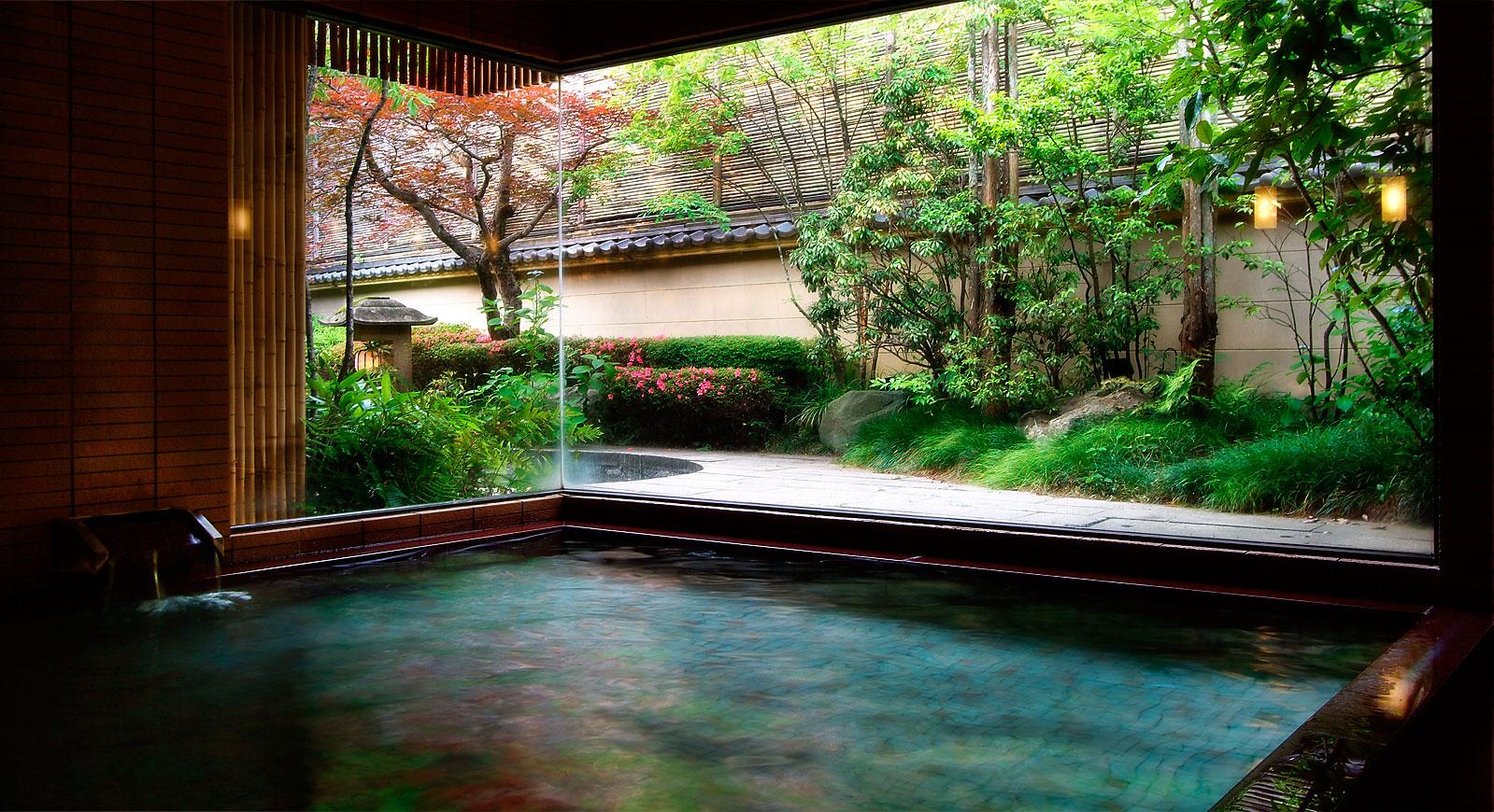 兵庫 城崎温泉 西村屋本館 平田館の大浴場の写真