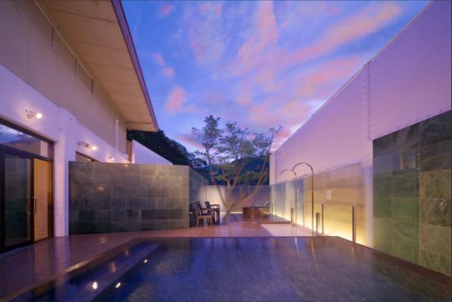 洋風の作りが美しい、山口長門湯本温泉・山村別館