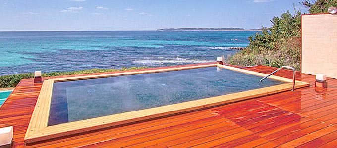「ホテル西長門リゾート」のお風呂からは瀬戸内海が一望できます。