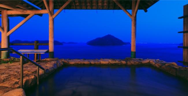 瀬戸内に浮かぶ島々を眺めながら入浴できる「ホテル清風館」
