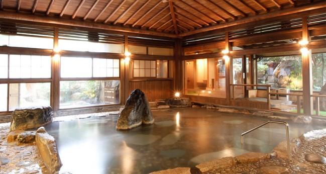 日本一のラジウム温泉を楽しむなら「依山楼岩崎」