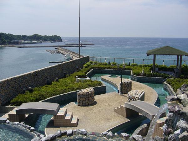 勝浦ホテル三日月 プール