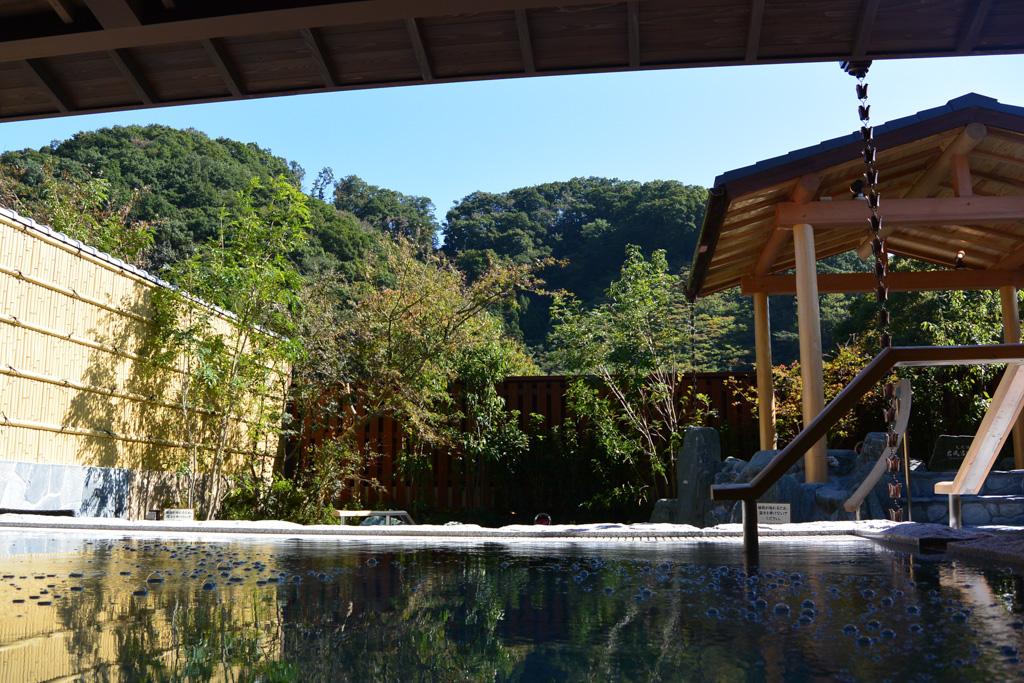 炭酸石張り風呂からの眺め