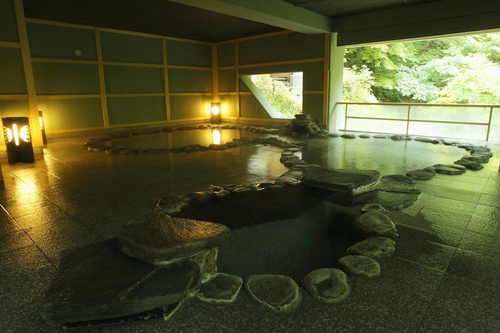 鶯宿温泉 長栄館 露天風呂