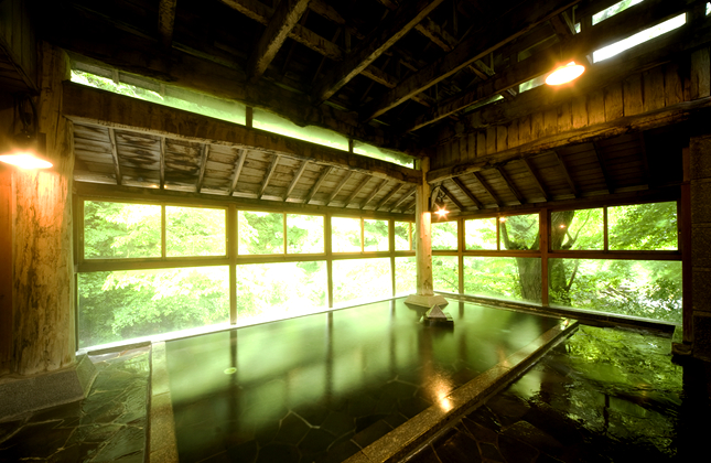 仙台 岩松旅館 半露天風呂の写真