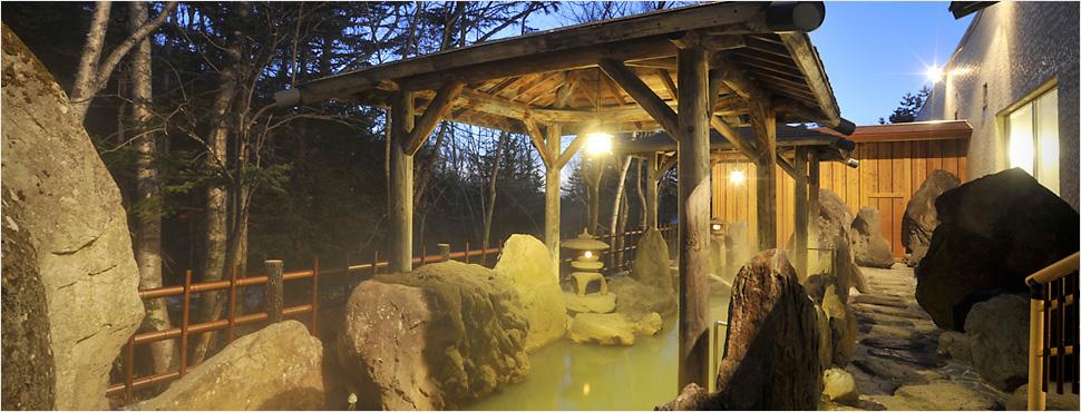大雪山白金観光ホテル 夜の露天風呂