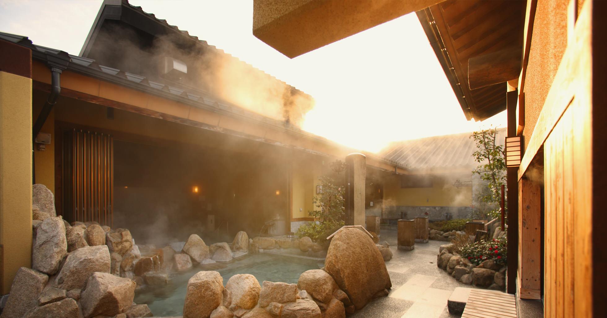 愛媛県松山市東道後温泉 そらともり 露天風呂