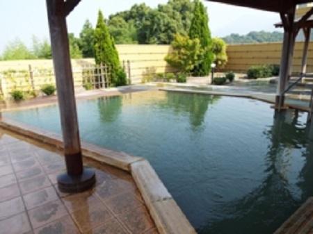 福岡県ほうじょう温泉 ふじ湯の里 北欧風露天風呂 「ライラック」
