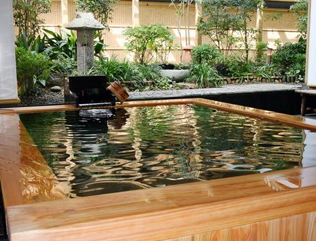 福岡県 博多 湯布院・武雄温泉 万葉の湯 露天風呂