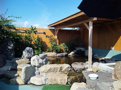 福岡県大川温泉 貴肌美人 緑の湯 露天風呂