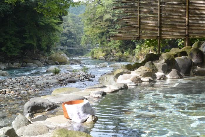 狩野川そばの露天風呂