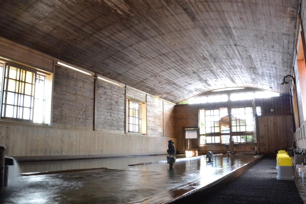 金谷旅館名物の千人風呂