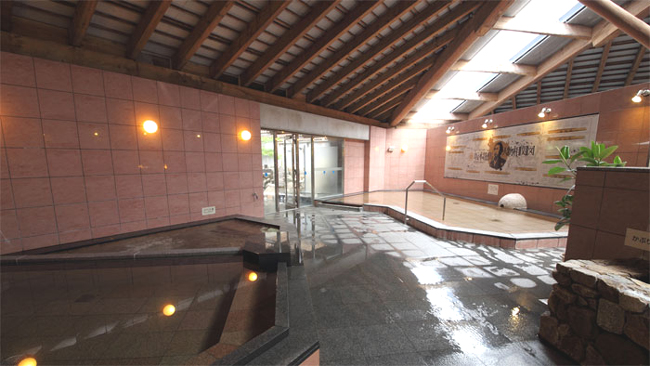 高知龍馬空港から一番近いこちらの温泉。高知黒潮ホテル