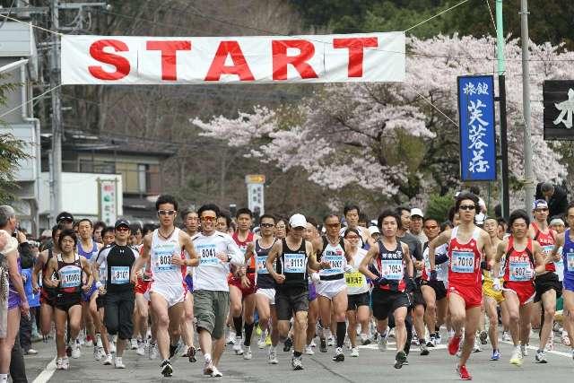 温泉街を走り抜けるマラソン大会