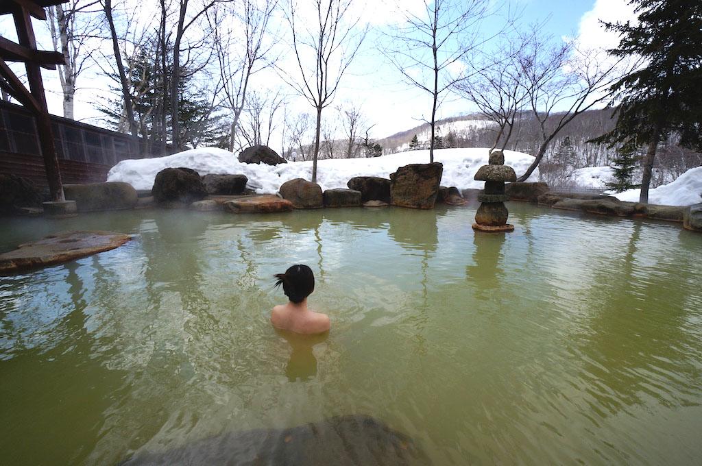 北海道最大の混浴露天風呂を誇るニセコ昆布温泉『ニセコグランドホテル』(北海道)