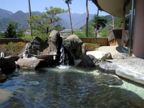武石温泉うつくしの湯露天風呂