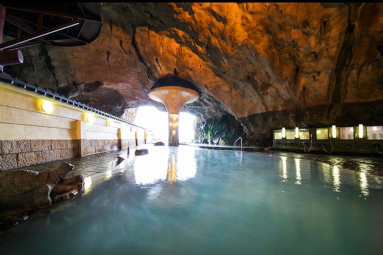 和歌山 ホテル浦島 天然洞窟の温泉の写真