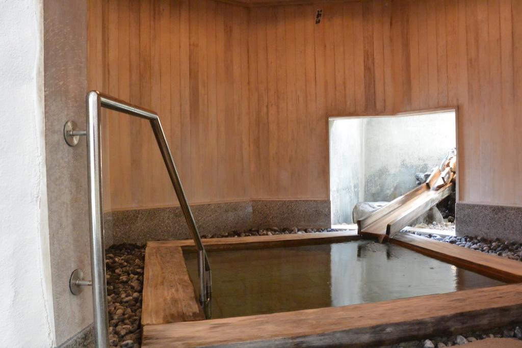 大浴場の横には檜風呂も