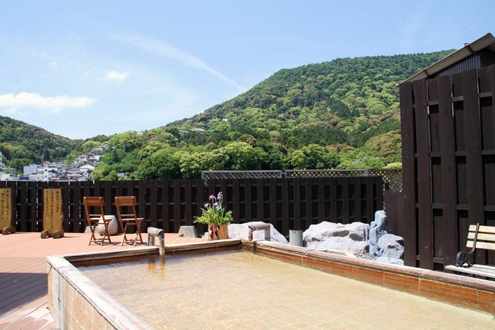 讃岐平野の四季折々の風情が360度パノラマで望む事ができる露天風呂、こんぴら温泉八千代