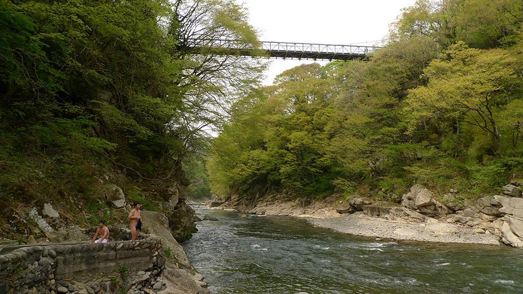 2009年に閉鎖された湯野上温泉『河原風呂』(福島県)