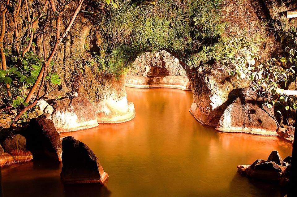 湯楽亭 大洞窟風呂