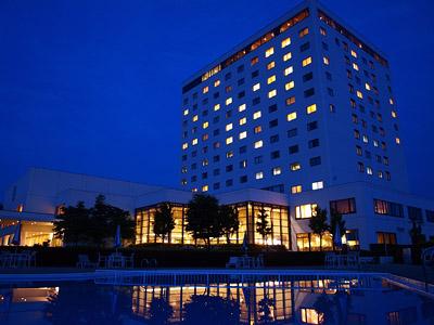雄大な那須連山を望み自然美豊かなロケーションのりんどう湖ロイヤルホテル