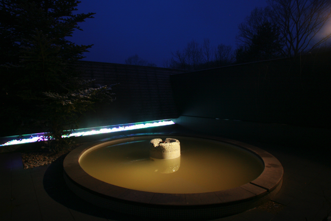 満天の星空を見ながらリラックスしてくつろげる露天風呂