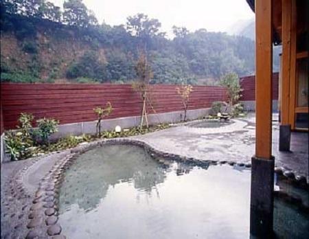 群馬県 南郷温泉しゃくなげの湯 石風呂