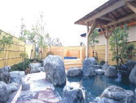 群馬県地蔵温泉 スパリゾート ゆにーいく 露天風呂