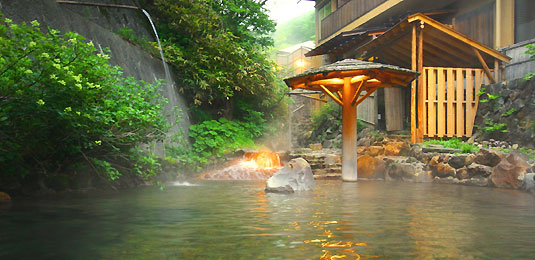渓流の露天風呂