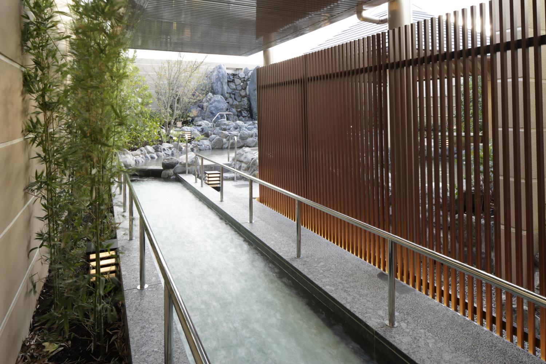 神戸みなと温泉蓮 足湯回廊
