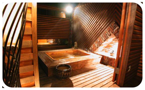 オリエンタルな雰囲気溢れるアジアンテイストたっぷりのアジアン露天風呂