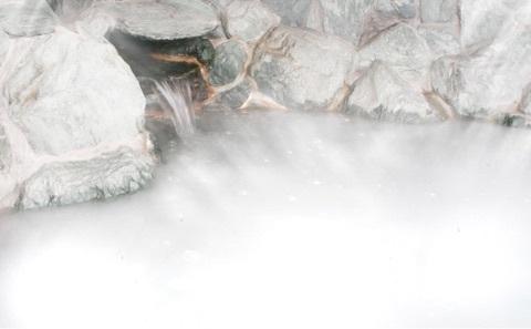 源泉を超微細気泡で白濁させたシルク風呂はお肌の潤いを蘇らせます。