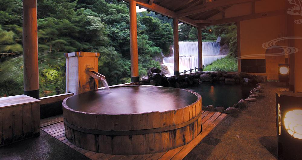 個性の違った4つの大浴場で温泉三昧の旅館「山水荘」