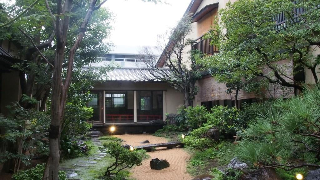 さやの湯処 日本庭園