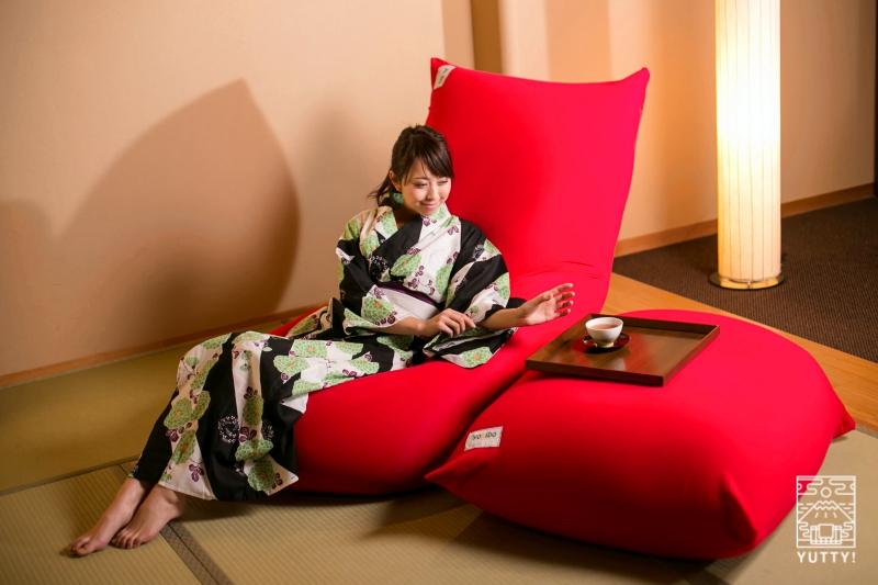 Gensen Café のソファーの写真