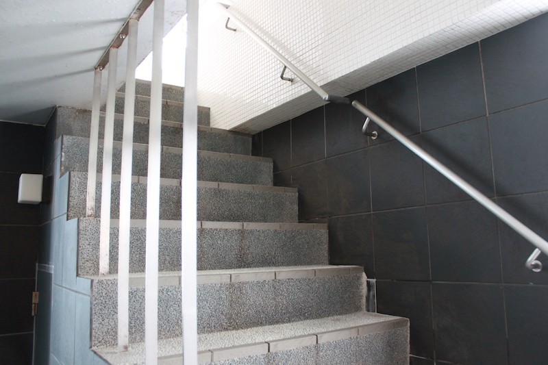 戸越銀座温泉 月の湯 階段